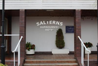 Salterns Harbourside - Laterooms