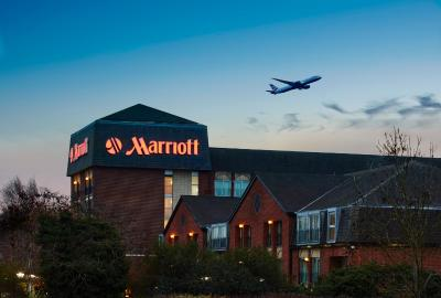 Heathrow / Windsor Marriott Hotel - Laterooms
