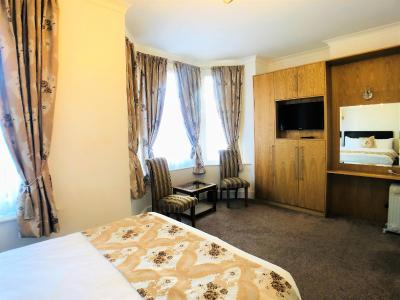 Ilfracombe House - Laterooms