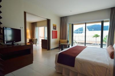 Millennium Resort Patong - Laterooms
