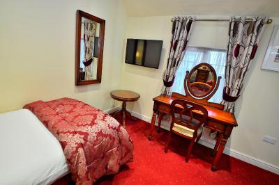 The Roundabout Hotel - Laterooms