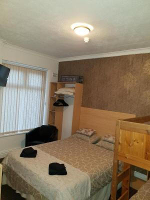 The Grosvenor View - Laterooms