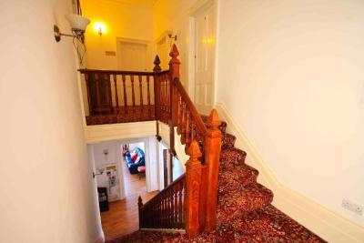 Lyndhurst House - Laterooms