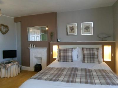 Alcombe House Hotel - Laterooms