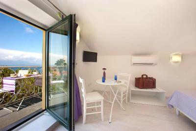 Tasso Suites - Laterooms