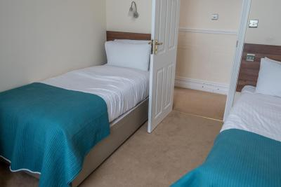 Balmoral Hotel - Laterooms