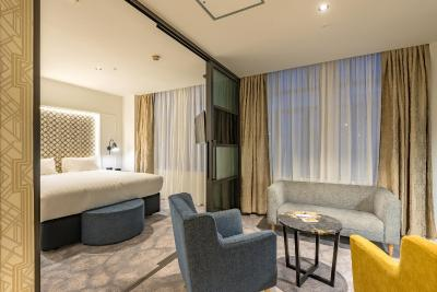 Scenic Hotel Auckland - Laterooms