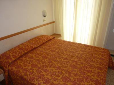 Apis Hotel - Laterooms