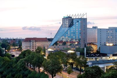 Estrel Hotel Berlin - Laterooms