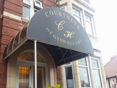 Courtneys of Gynn Square - Laterooms