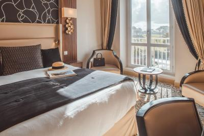 Le Regina Biarritz Hotel & Spa by MGallery Collection - Laterooms