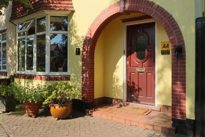The Yellow House Bed & Breakfast - Laterooms