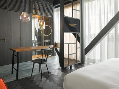 EAST Hotel - Laterooms