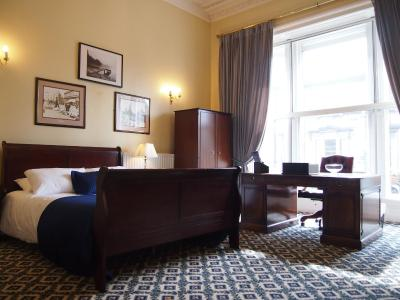 Thistle Hotel - Laterooms
