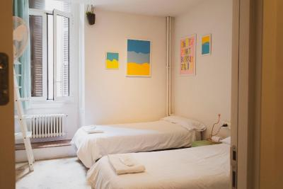 A Room in the City - Laterooms
