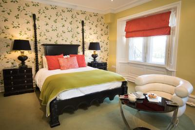 The Cleveland Tontine - Laterooms