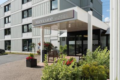 Park Inn by Radisson Düsseldorf Süd - Laterooms