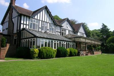 The Oaklands Hotel - Laterooms