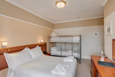 Invicta Hotel - Laterooms