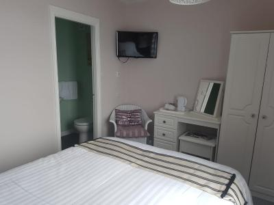 The Carmel Guest House - Laterooms