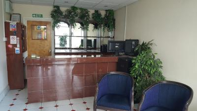 Airport Guest House - Laterooms