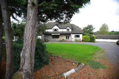 Ewenny Farm Guest House - Laterooms