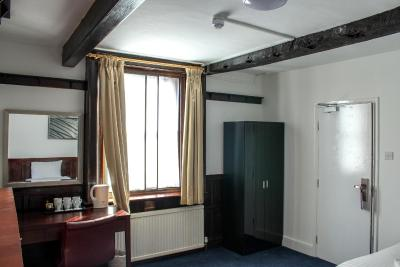 Heathrow Lodge - Laterooms