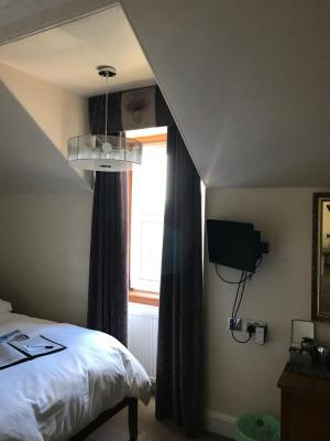Ravenswood Guest House - Laterooms