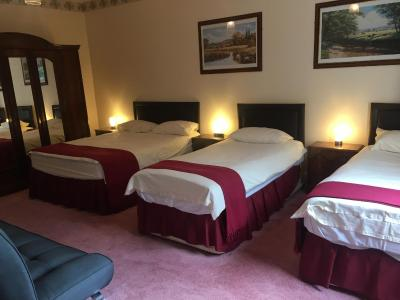 Holly Trees Hotel - Laterooms