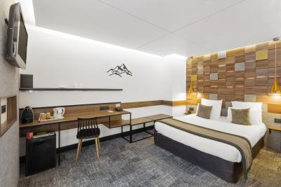 Best Western Hotel International - Laterooms
