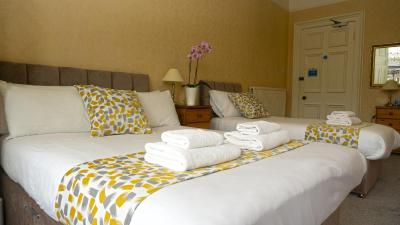International Guest House - Laterooms
