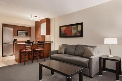 Embassy Suites by Hilton Montreal - Laterooms