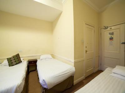 George Hotel Stoke - Laterooms