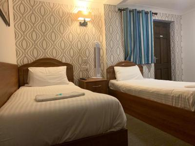 Twickenham Guest House - Laterooms