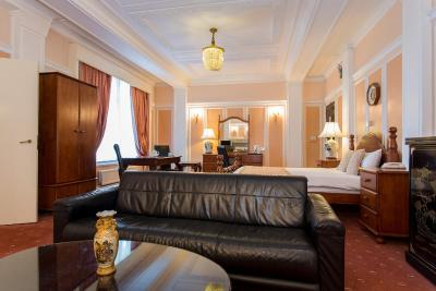 Adelphi Hotel - Laterooms