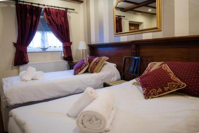 The Royal Arms Hotel - Laterooms