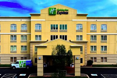 Holiday Inn Express SYRACUSE-FAIRGROUNDS - Laterooms