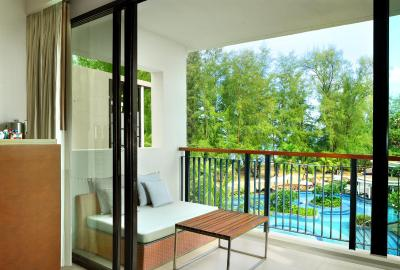 Holiday Inn Resort Phuket Mai Khao Beach Resort - Laterooms