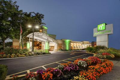 Holiday Inn Westbury-Long Island - Laterooms