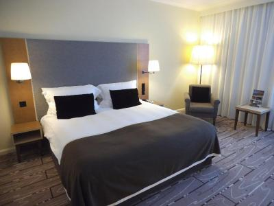 Radisson Blu Waterfront Hotel, Jersey - Laterooms