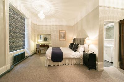 Glewstone Court Country House Hotel - Laterooms