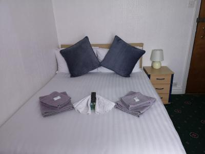 Sunnydale Hotel - Laterooms