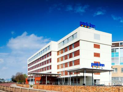 Park Inn by Radisson Peterborough - Laterooms