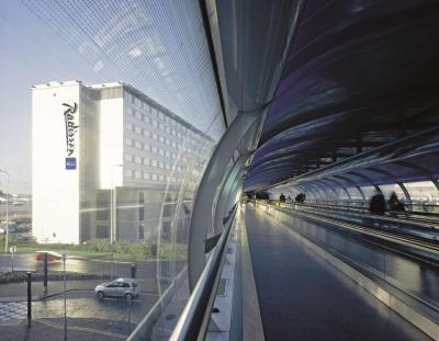 Radisson Blu Hotel Manchester Airport - Laterooms