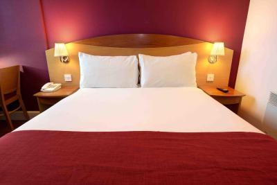 Days Hotel Waterloo - Laterooms