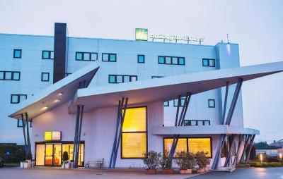 Holiday Inn Express Milan-Malpensa Airport - Laterooms