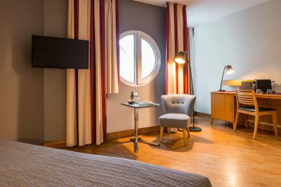BB Hotel Berlin - Laterooms