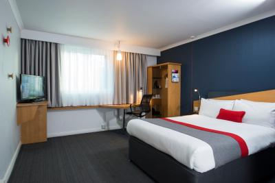 Holiday Inn Express NEWPORT - Laterooms