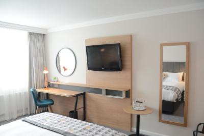Holiday Inn London Gatwick - Laterooms