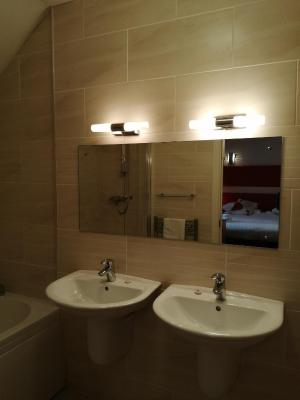 Sutherlands Hotel - Laterooms